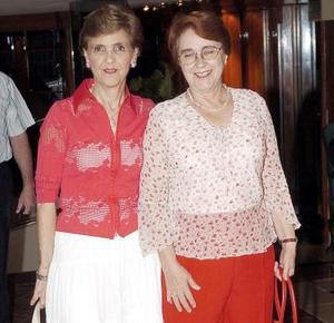 Asistieron a la fiesta Mercedes Bracho y Lola Montaña.
