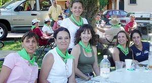 Charito, Lourdes, Mariela, Cecy, Mayra y Cecilia.