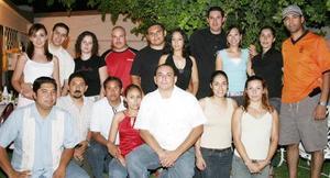 Rogelio Rodríguez fsetejó en días pasados su cumpleaños acompañado por un gripo de amistades y familiares.