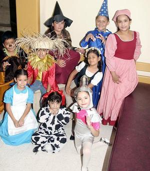 El elenco de El Mago de Oz.