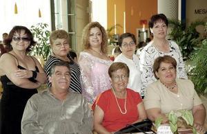 Jesús Muro, Gloria Flores, Patricia Ruiz, Silvia Goytia, Mary Castañeda, CeciliaCaldera, Mayela Cázares y Lupita Chávez.
