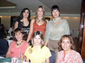 <b>31 de julio 2005</b><p> Yerica de Jardón, Lily de Villarreal, Ana Isabel de Quintanilla, Rocío de Del Río, Susana de Boehringer y Gaby de Santos, en una tarde de café