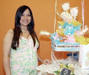 Rocío Acosta de Zupanc disfrutó de una tierna celebración en honor al bebé que espera