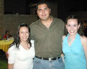 Goretti Macías, Manuel Montoya y Aída Saucedo.