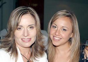 Martha y Brenda Samaniego