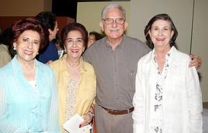 Norma Cepeda, María de Cepeda, Alberto González Domene y Rosario Lanberta..