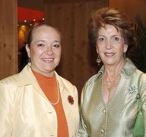 Josie de Iriarte y Nancy de Jalife.