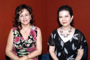 Lucero de Reyes y Susana de González.