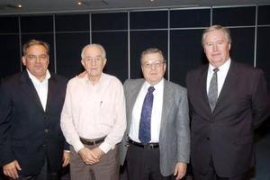 <b>31 de julio 2005</b><p> Rubén Pavón, Tomás López, Luis Reyes y Gabriel  Cornú.
