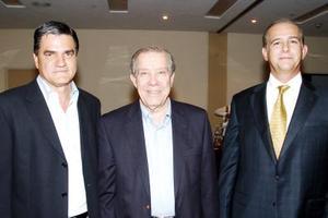 <b>01 de agosto 2005</b><p>  Raúl Albéniz, Ramón Iriarte y Carlos Cepeda.