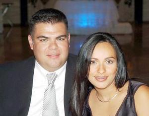 Javier Valdez y Claudia Camacho de Valdez.