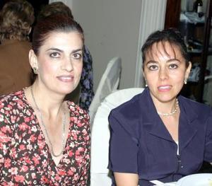 Carmelita Alarcón y Rosy Cornejo.