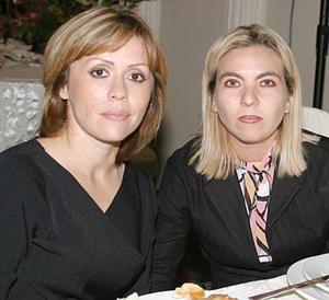 Silvia C. de Murra y Brenda B. de Murra.