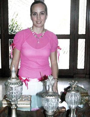 <b>03 de agosto 2005</b><p>  Angélica Ortiz Cano contraerá nupcias con Jorge Jiménez Berumen, el próximo sábado seis de agosto.