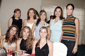 Anna Diz Jiménez recibió múltiples felicitaciones de sus amigas, en la despedida de soltera que le ofrecieron recientemente.