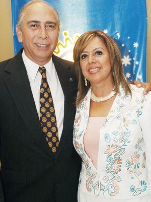 Jesús Francisco Zavala y Marisa R. de Zavala .