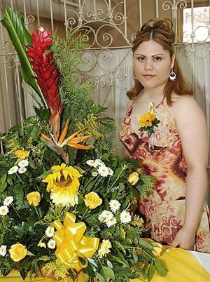 Gabriela Zapata Rodríguez disfrutó de una fiesta de despedida de soltera.