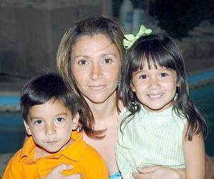 Ferni Eguía, Lule Eguía y Ximena Eguía.