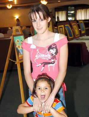 <b>04 de agosto 2005</b><p> Raquel de la Parra e Isabel Murra.