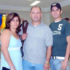 José Palacios, Adriana Palacios y Alejandro Ramírez viajaron a San José California.