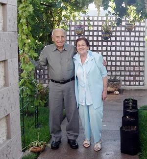 Los señores Murra Giacomán celebraron 56 años de casados.