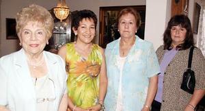 Bertha de Del Valle, Martha del Real, Pamela de Del Valle y ero Rosas de Ortiz.