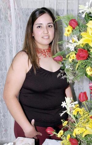 Rosa Liliana Vélez Cárdenas en su fiesta de despedida.