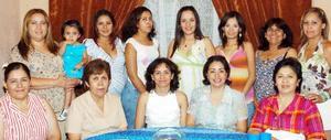 Con motivo del próximo nacimiento de su bebé, Ana Lilia Treviño Ortiz disfrutó de una fiesta de canastilla en compañía de amigas y familiares.