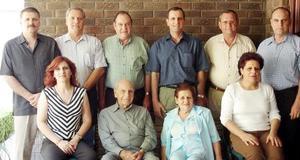 <b>06 de agosto 2005</b><p> Teófilo, Jesús, Gerardo, Eduardo, David, Ricardo, Emilia y María Guadalupe, acompañados por sus señores padres.