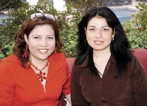 Maribel  Mancha y Mayela Hernández.
