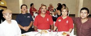 Roberto García, José Tapia, Hugo Garza, Paty Tapia y Rafael González Tapia.