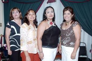 Alicia Fraire disfrutó de una primera despedida, organizada por Dina Romero, Raquel Magallanes y Yolanda Delgado, con motivo de su próxima boda.
