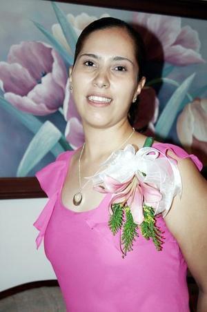 Valeria Montserrat Zamora Hernández, captada en la despedida que le ofrecieron por su futuro matrimonio con Fernando Rubio Galindo.