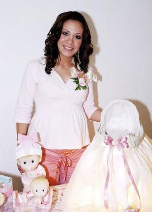 Ana Karla Baranda de Backmann, en la fiesta de canastilla que le ofreció Rosina de Baranda, en honor de la bebé que espera.