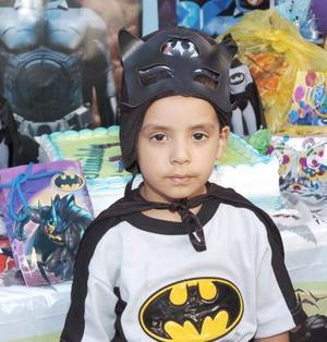 Carlitos Perales Cassio celebró su cuarto cumpleaños, con una fiesta infantil en la que recibió muchos regalos.