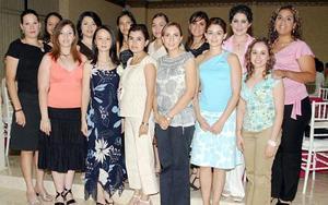 Por su próximo matrimonio con Raúl Armando Castorena Busatamnte, Yuriko Cristina Tanaka fue despedida de su vida de soltera por un grupo de amigas.