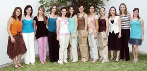 La futura mamá, en compañía de sis amigas, Miriam, Mariana, Sofía, Ofelia,Gaby, Mónica, Ana Claudia, Claudia Priscila, Bárbara y Claudia.