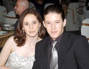 Elizabeth Barrios y Moisés Ganem.
