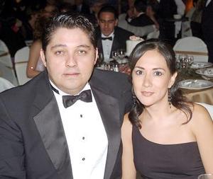 Julio Galván Maycotte y Diana Barrios.
