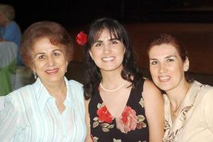 Pily de León, Brenda de León y Pily de Jiménez.
