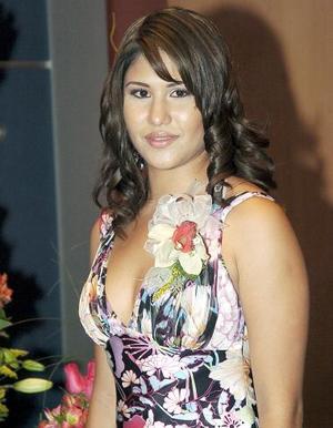 <b>09 de agosto 2005</b><p> Verónica Rocío Ávila Woo, contraerá matrimonio el próximo 8 de octubre con Saúl Nájera.