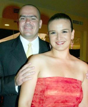 <b>09 de agosto 2005</b><p> Cecilia y Adolfo Fernández.