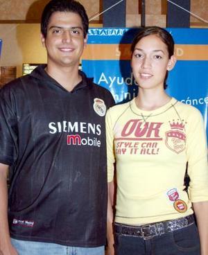 <b>10 de agosto 2005</b><p> Joaquín Galván y Mariana Nava.