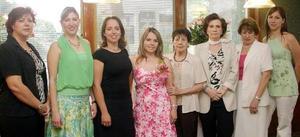 Gabriela de Hernández, Mary Carmen Silerio, Alma Rivera, Mariía del Carmen Rodríguez, Magdalena de Flores, Chacha de Silerio, entre otras amistades, acompañaron a Érika Padilla Velazco en sus últimas despedidas d soltera.