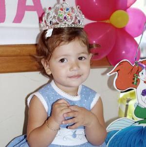 <b>09 de agosto 2005</b><p>  Lindos regalos recibió Valeria el día de su fiesta de cumpleaños.