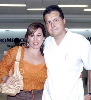 Óscar y Norma Ebrard viajaron con destino a Chetumal.