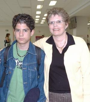 <b>11 de agosto 2005</b><p>  Enriqueta y Berni Torres viajaron a Tijuana.