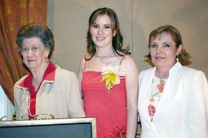 Sra. Rosario H. de García de Alba, Marcela García, María del Rosario Madero, María Esther de García Alba y Martha Rodríguez de García de Alba acompañaron a Ángela García de Alba en su despedida.