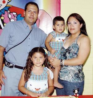 Luis Fernando Baeza Frausto celebró su cumpleaños en compañía de su familia.