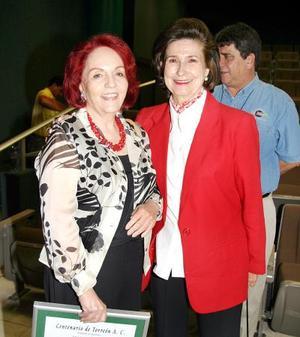 Lilia Fisher Ruiz y Rosario Lamberta de González..